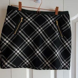 Express Black Skirt zipper pocket size 8
